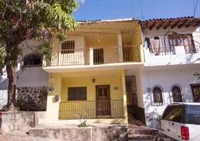 190 Francisco Villa C, Puerto Vallarta, 48296, 5 Bedrooms Bedrooms, ,3 BathroomsBathrooms,House,For Sale,Francisco Villa ,1022